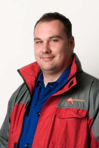 Micskó András vezető biztonságtechnikai szerelő